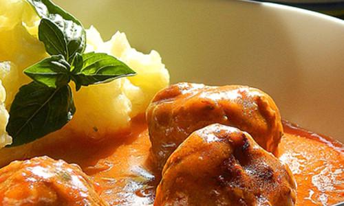 Cufte u paradajz sosu